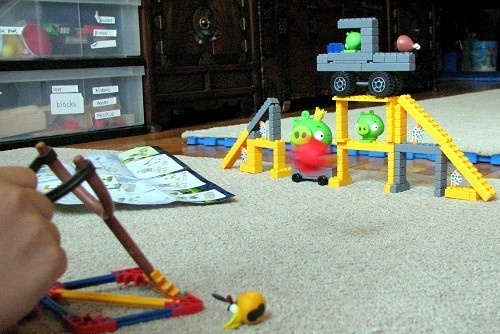 Angry Birds K'NEX Mission May'hem